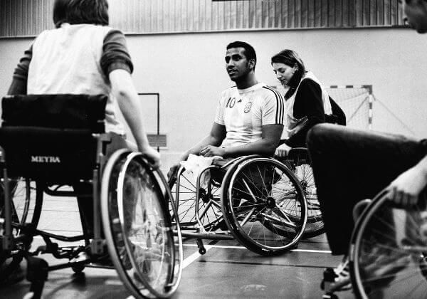 5 esportes paralímpicos que você pode praticar em uma academia ao ar livre