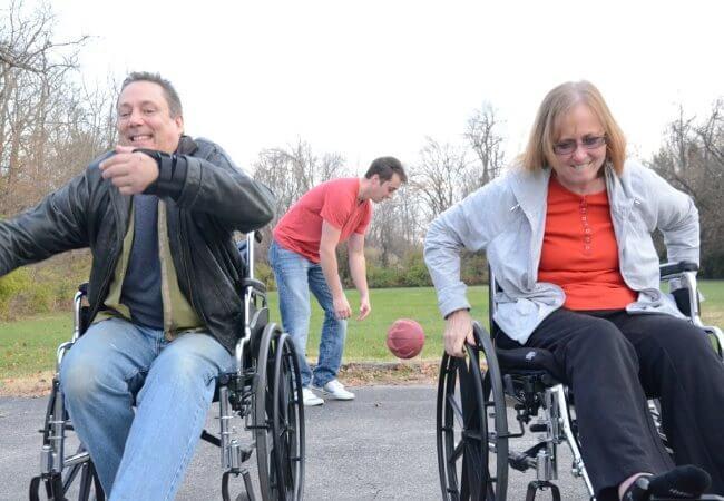 Conheça os Aparelhos de Academia Ao Ar Livre para Pessoas com Deficiência