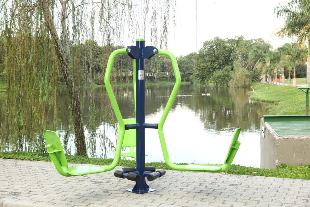 aparelho de pressão de pernas ginast academia ao ar livre